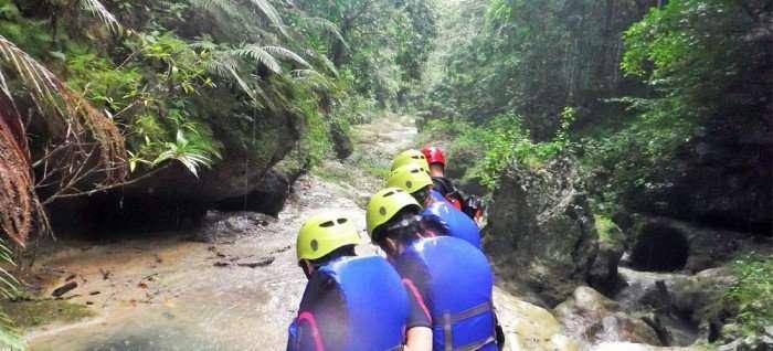 adventure travel women teamwork