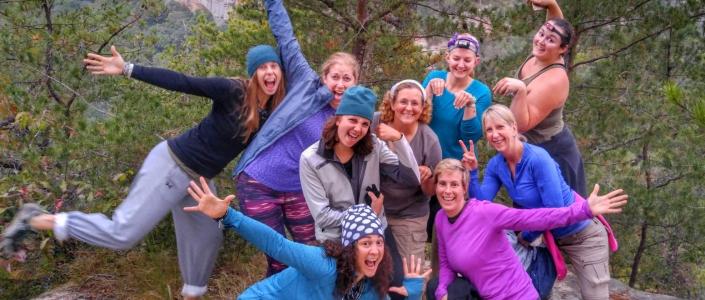 <p>Meet other adventurous<br /> outdoor women! </p>